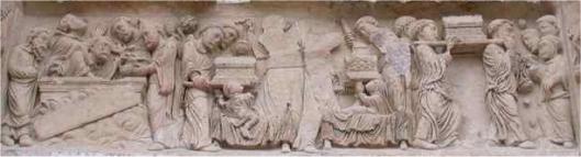 Particolare del timpano dell'Abbazia di Fleury che rappresenta la storia della trafugazione delle reliquie di San Benedetto