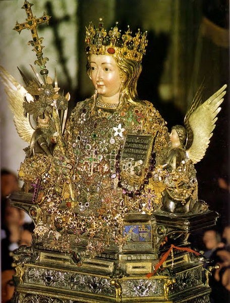 Busto reliquiario di Sant'Agata. Sec. XIV. Basilica cattedrale di Catania