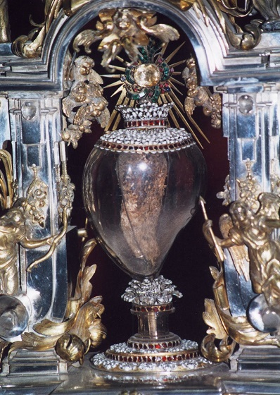 Teca di cristallo contenente il cuore di Santa Teresa d'Avila. Alba de Tormes (Salamanca, Spagna)